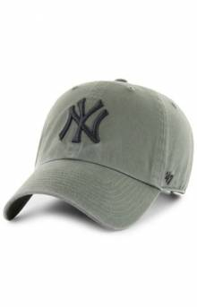 New York Yankees '47 Clean Up Cap - Moss