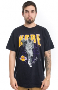 Mitchell & Ness Clothing, Kobe Bryant B&W Photo Real T-Shirt