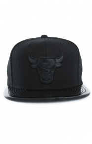 Mitchell & Ness Clothing, Patent 2T Tonal Snap-Back Hat - Bulls